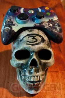 halo-skull-xbox-360-controller-cradle