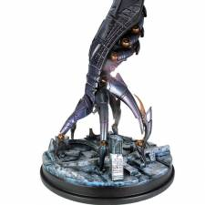 figurine-sovereign-front_3