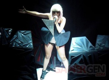 Lady+Gaga++on+the+fame+ball+tou
