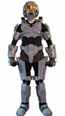 Lifesized-Lego-Master-Chief-Armor_1-302x540